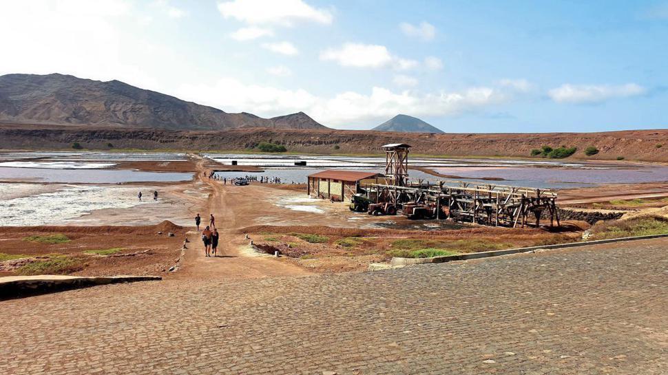 Paradies für Sonnenanbeter und Naturfreunde: Die Kapverden-Insel Sal hat kilometerlange Sandstrände.