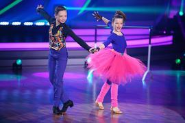 Mädchen Junge Tanz