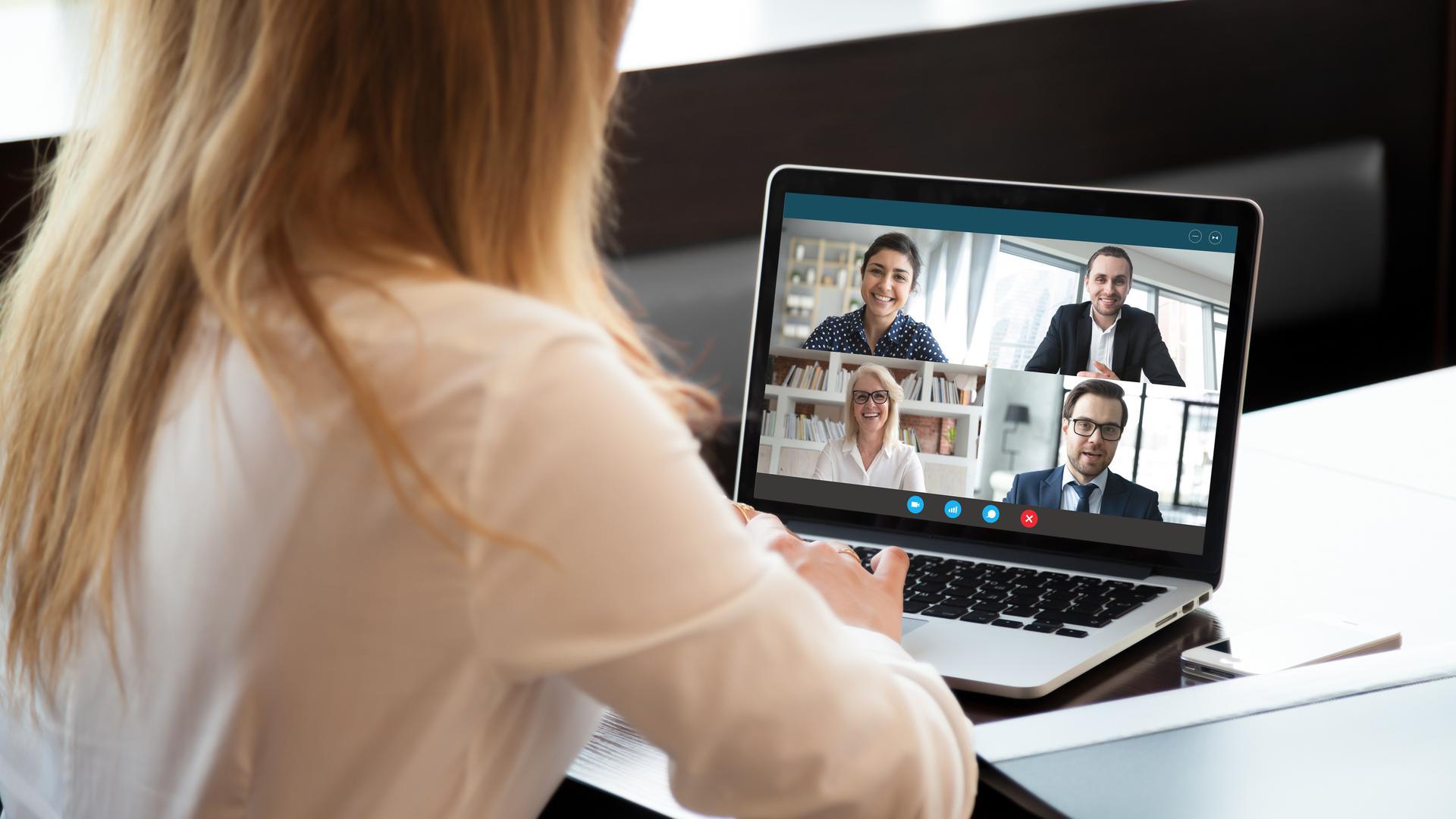 Bewerbungsgespräch per Videokonferenz.