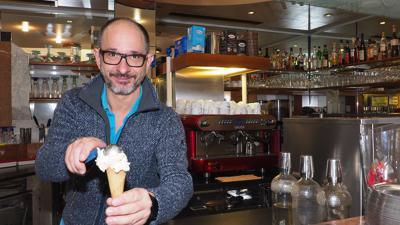 Nur noch bis Sonntag ist das Eiscafé Cortina in der östlichen Kaiserstraße geöffnet. Claudio Doimo und seine Familie verabschieden sich.