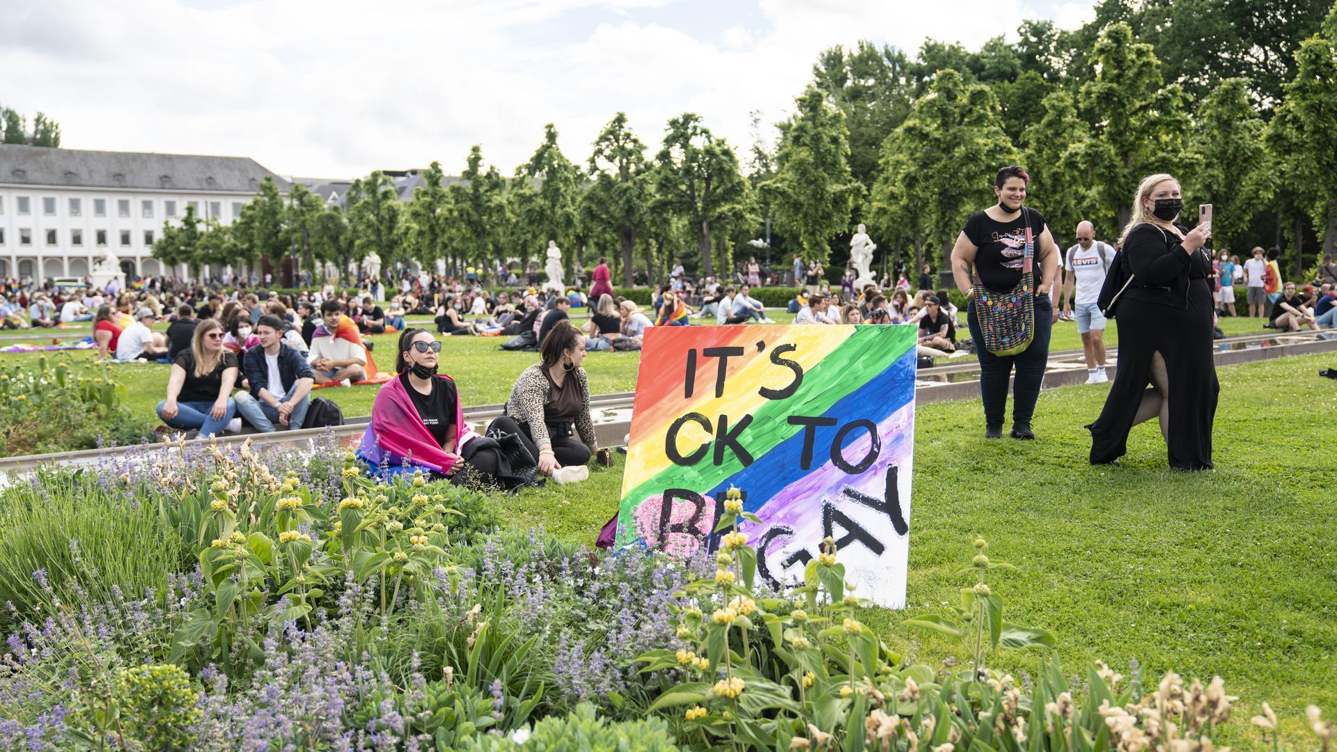 Demonstranten im Schlossgarten