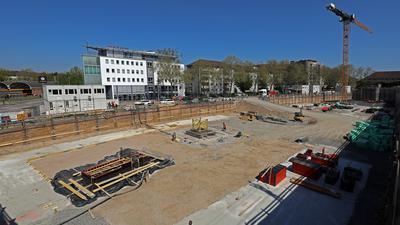 Großprojekt: An der Victor-Gollancz-Straße, nahe dem Hauptbahnhof, entsteht ein dreiteiliger Gebäudekomplex für Hotel- und Büronutzung. Auch Ladengeschäfte sind vorgesehen.