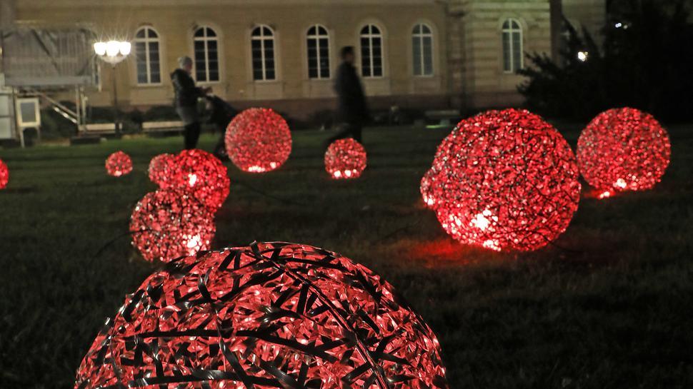 Beleuchtung am Friedrichsplatz,