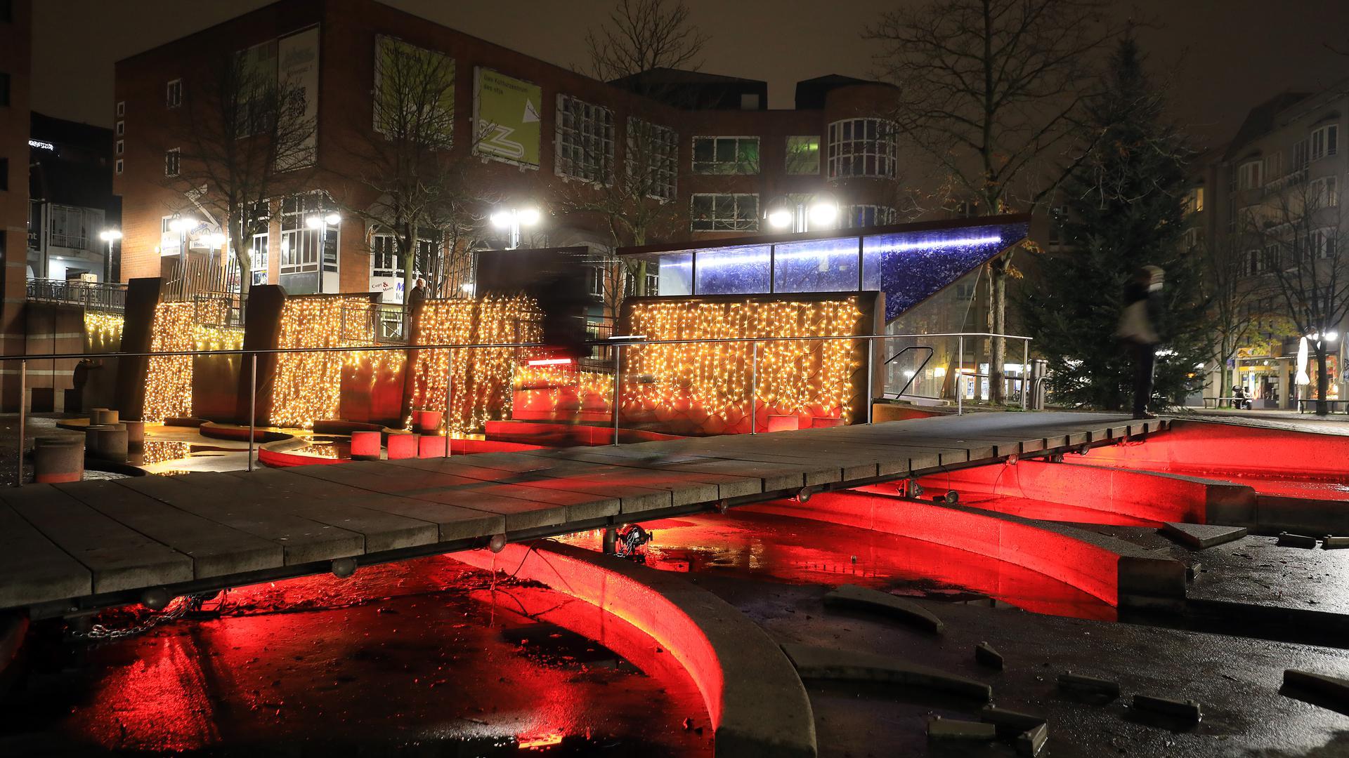 Neues Lichtkonzept: Erstmals wird der Kronenplatz in dieser Form in Szene gesetzt.