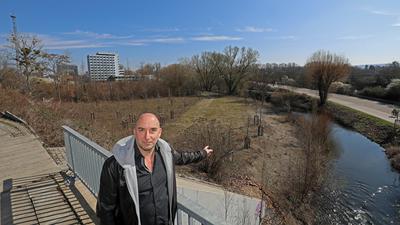 Ein Kopf mit konkreten Ideen: Edgar Bich möchte den Winkel zwischen Alb und Eisenbahndamm zum Biergarten  mit Open-Air-Bühne machen.