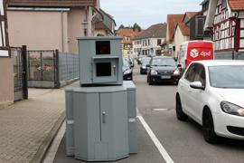 Überwachung: Zu hohes Tempo haben die Experten des städtischen Ordnungs- und Bürgeramts im Blick - wie hier in der Kleinsteinbacher Straße in Stupferich.