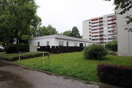 Befürchtungen: Im Innern dieses Flachbaus im Norden von Grötzingen soll sich nach Einschätzung von Anwohnern ein Bordellbetrieb etabliert haben. Begeistert sind sie nicht.