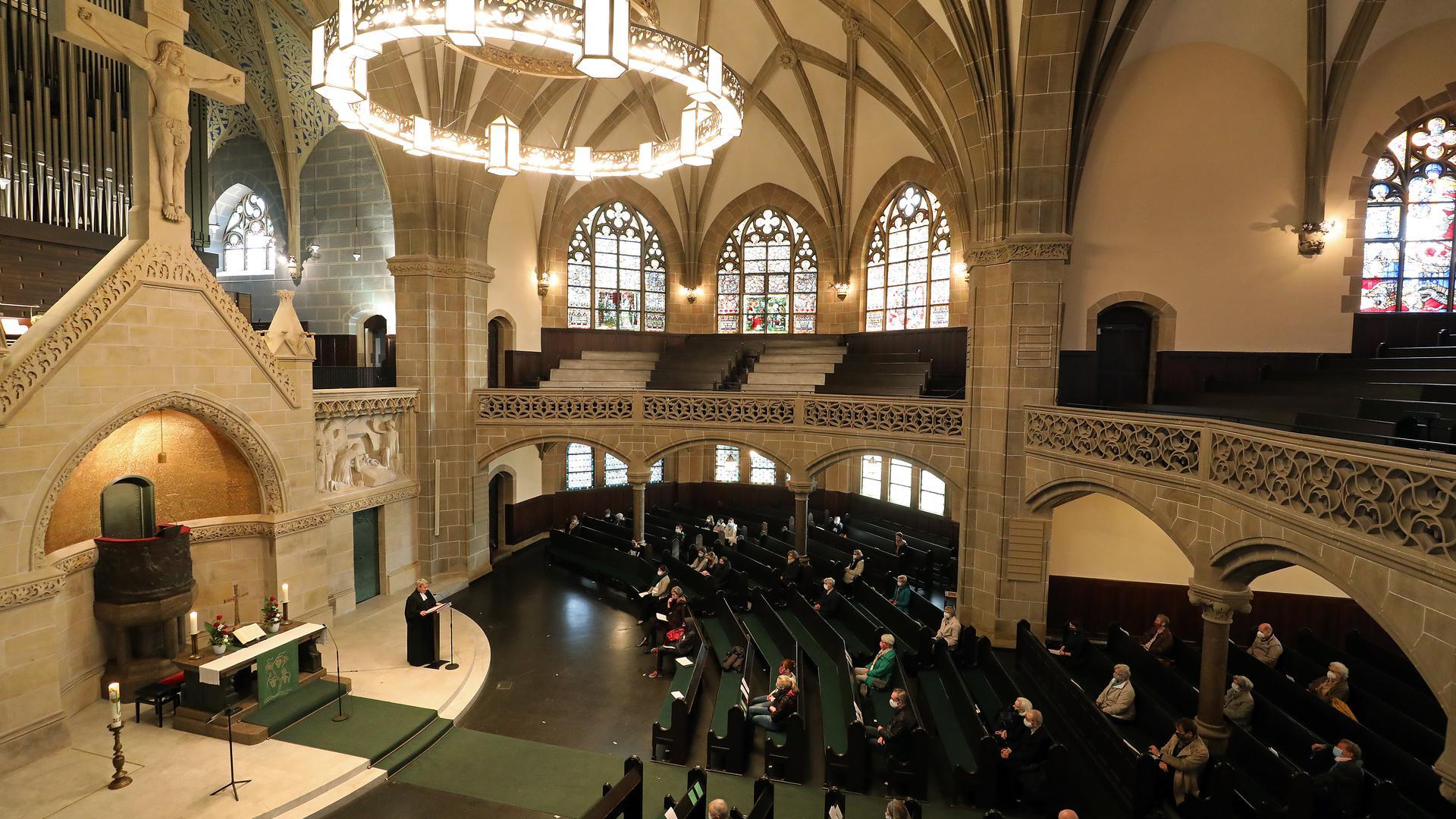 Neuorganisation: Die Evangelische Kirche in Karlsruhe - im Bild die Christuskirche - steht vor umfassenden Veränderungen. An der Basis werden sie leidenschaftlich diskutiert.