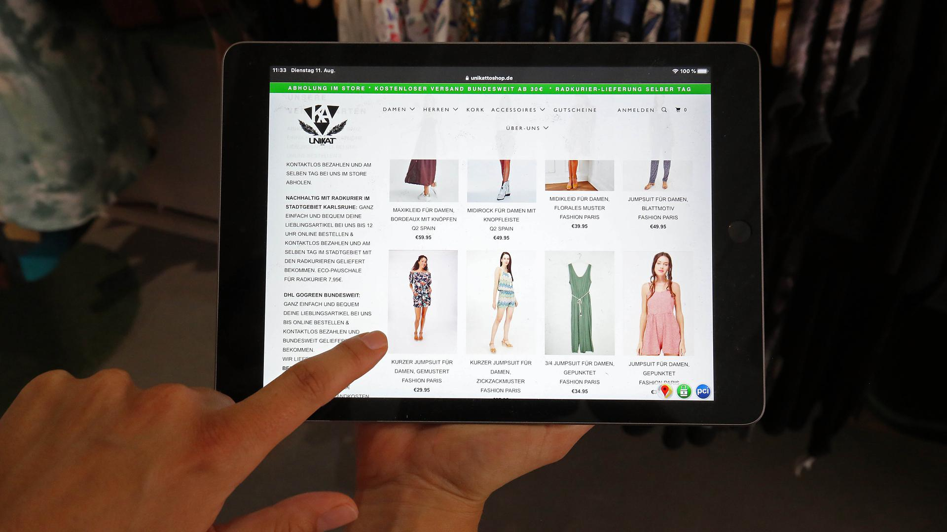Ein eigener Onlineshop gehört heutzutage auch für inhabergeführte Geschäfte dazu. Unikat in der Kaiserstraße bildet so das Angebot im Laden digital ab.