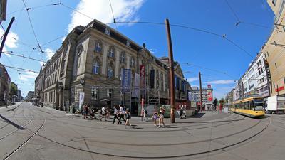Neue Perspektive gefragt: Über eine attraktive Gestaltung einer autofreien Kreuzung von Karlstraße (links) und Kaiserstraße (rechts) am Europaplatz brüten jetzt Planer aus Dänemark mit Bürgern aus Baden.