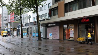 © Jodo-Foto /  Joerg  Donecker// 13.07.21 Einzelhanel in der Kaiserstrasse,                                       -Copyright - Jodo-Foto /  Joerg  Donecker Sonnenbergstr.4 D-76228 KARLSRUHE TEL:  0049 (0) 721-9473285FAX:  0049 (0) 721 4903368 Mobil: 0049 (0) 172 7238737E-Mail:  joerg.donecker@t-online.deSparkasse Karlsruhe  IBAN: DE12 6605 0101 0010 0395 50, BIC: KARSDE66XXSteuernummer 34140/28360Veroeffentlichung nur gegen Honorar nach MFMzzgl. ges. Mwst.  , Belegexemplarund Namensnennung. Es gelten meine AGB.