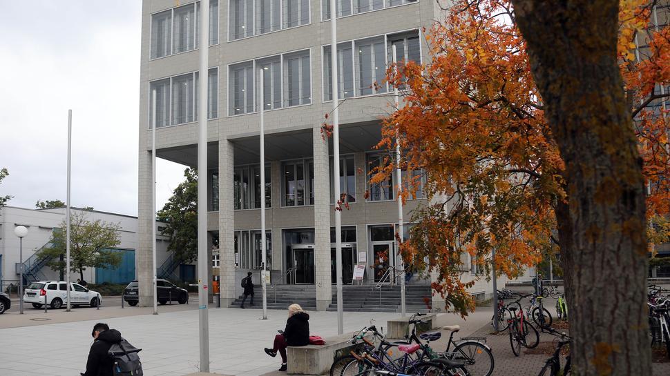 © Jodo-Foto /  Joerg  Donecker// 9.10.2020 KIT-Campus,       -Copyright - Jodo-Foto /  Joerg  Donecker Sonnenbergstr.4  D-76228 KARLSRUHE TEL:  0049 (0) 721-9473285 FAX:  0049 (0) 721 4903368  Mobil: 0049 (0) 172 7238737 E-Mail:  joerg.donecker@t-online.de Sparkasse Karlsruhe  IBAN: DE12 6605 0101 0010 0395 50, BIC: KARSDE66XX Steuernummer 34140/28360 Veroeffentlichung nur gegen Honorar nach MFM zzgl. ges. Mwst.  , Belegexemplar und Namensnennung. Es gelten meine AGB.