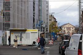 Auf dem Abstellgleis: Der Kiosk am Europaplatz ist dauerhaft geschlossen, die Betreiberfamilie hat das Handtuch geworfen. Damit endet eine fast 100-jährige Tradition.
