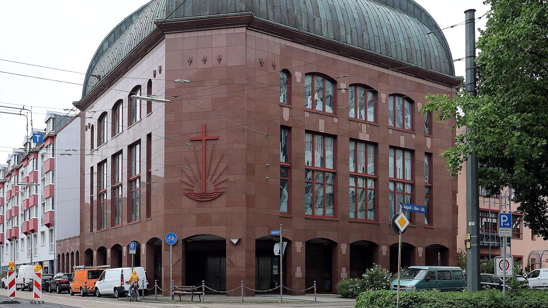 Jubiläum: Die Neuapostolische Kirche - hier das Gotteshaus in der Karlstraße - begeht ihr hundertjähriges Bestehen.