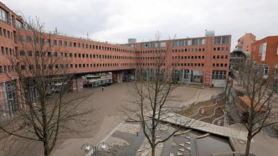 Bauplatz: Den Kronenplatz will die Stadtpolitik seit langem zum Herzstück der östlichen Innenstadt aufwerten. Dabei ist er als Standort für eine neue Stadtbibliothek in der Diskussion.