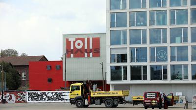 © Jodo-Foto /  Joerg  Donecker//  7.05.2021 Messplatz,                                                             -Copyright - Jodo-Foto /  Joerg  Donecker Sonnenbergstr.4  D-76228 KARLSRUHE TEL:  0049 (0) 721-9473285 FAX:  0049 (0) 721 4903368  Mobil: 0049 (0) 172 7238737 E-Mail:  joerg.donecker@t-online.de Sparkasse Karlsruhe  IBAN: DE12 6605 0101 0010 0395 50, BIC: KARSDE66XX Steuernummer 34140/28360 Veroeffentlichung nur gegen Honorar nach MFM zzgl. ges. Mwst.  , Belegexemplar und Namensnennung. Es gelten meine AGB.