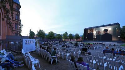 Open Air Kino vor dem Gottesauer Schloss