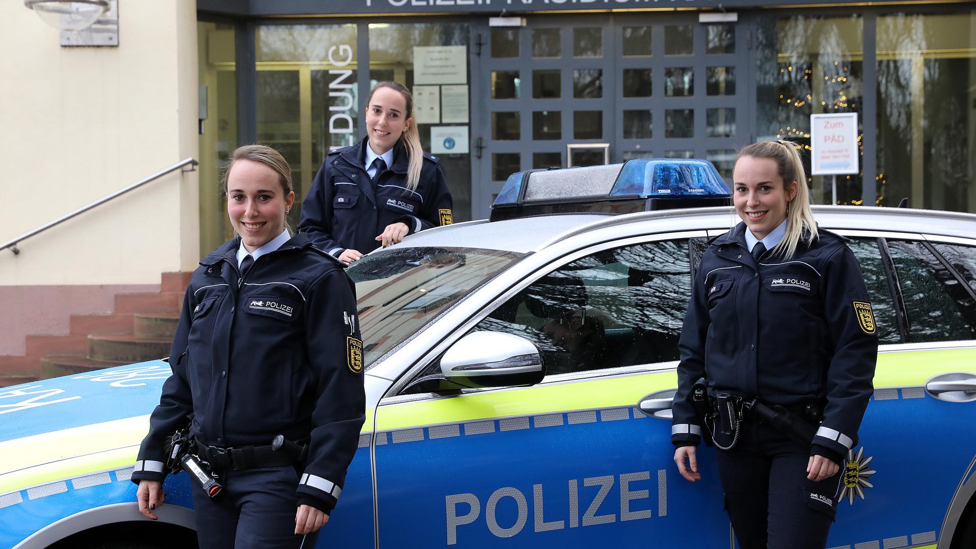 Frauenpower: Samira, Lara und Vanessa Böß sind nicht nur eineiige Drillinge sondern alle bei der Polizei tätig. Das ist weithin einmalig.