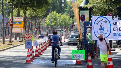 Pop-Up Radweg in der Fritz-Erler-Strasse,