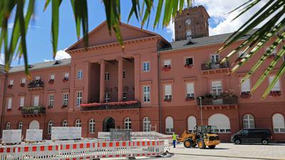 Kampf ums Rathaus: Es wird aktuell viel spekuliert, wer im Herbst gegen Oberbürgermeister Frank Mentrup antreten könnte. Doch die CDU verrät noch keinen Namen.
