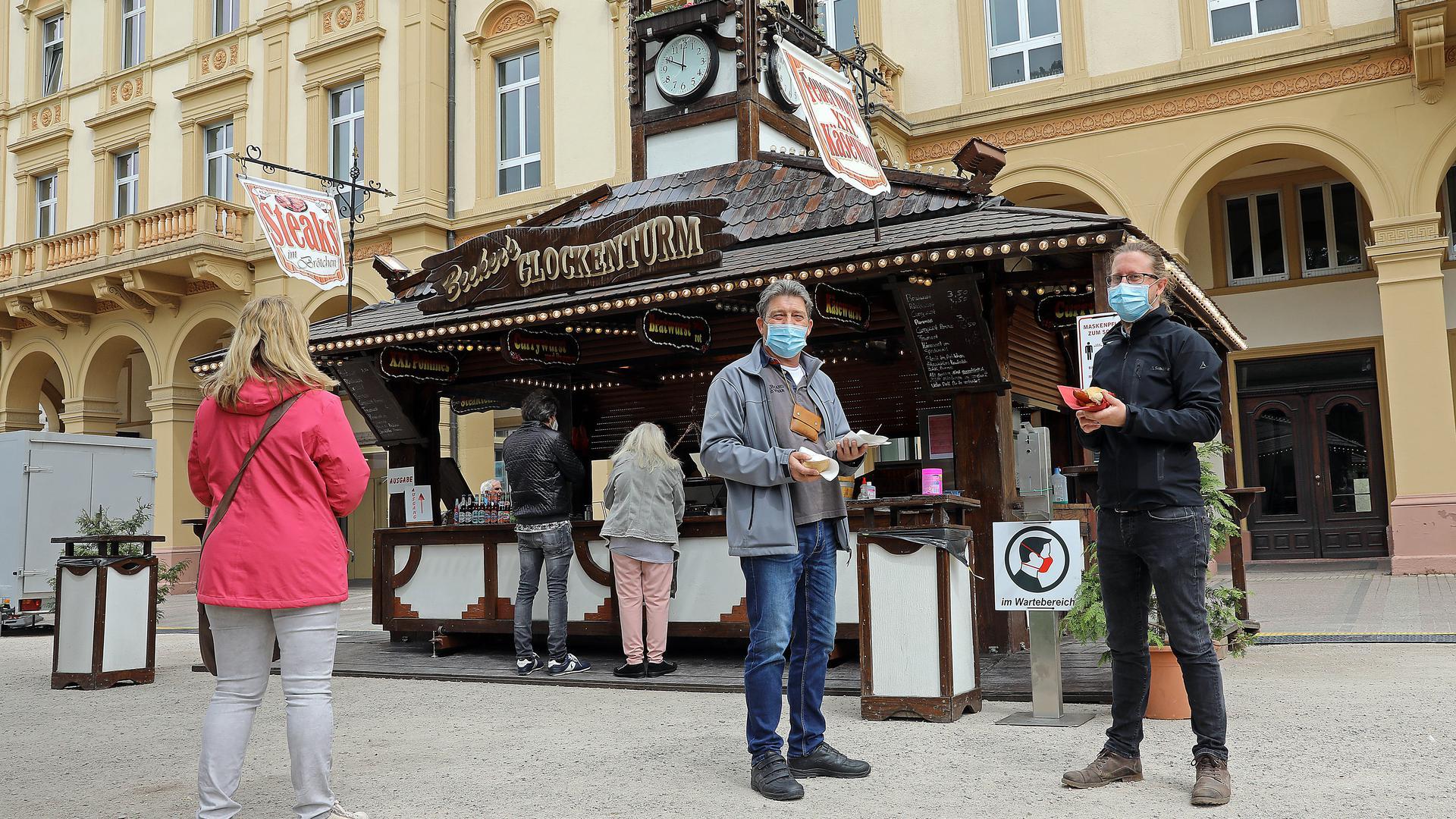 © Jodo-Foto /  Joerg  Donecker//  10.05.2021 Schausteller stehen mit den Buden wieder in der Innenstadt,   Foto: FRIEDRICHSPLATZ,    -Copyright - Jodo-Foto /  Joerg  Donecker Sonnenbergstr.4  D-76228 KARLSRUHE TEL:  0049 (0) 721-9473285 FAX:  0049 (0) 721 4903368  Mobil: 0049 (0) 172 7238737 E-Mail:  joerg.donecker@t-online.de Sparkasse Karlsruhe  IBAN: DE12 6605 0101 0010 0395 50, BIC: KARSDE66XX Steuernummer 34140/28360 Veroeffentlichung nur gegen Honorar nach MFM zzgl. ges. Mwst.  , Belegexemplar und Namensnennung. Es gelten meine AGB.