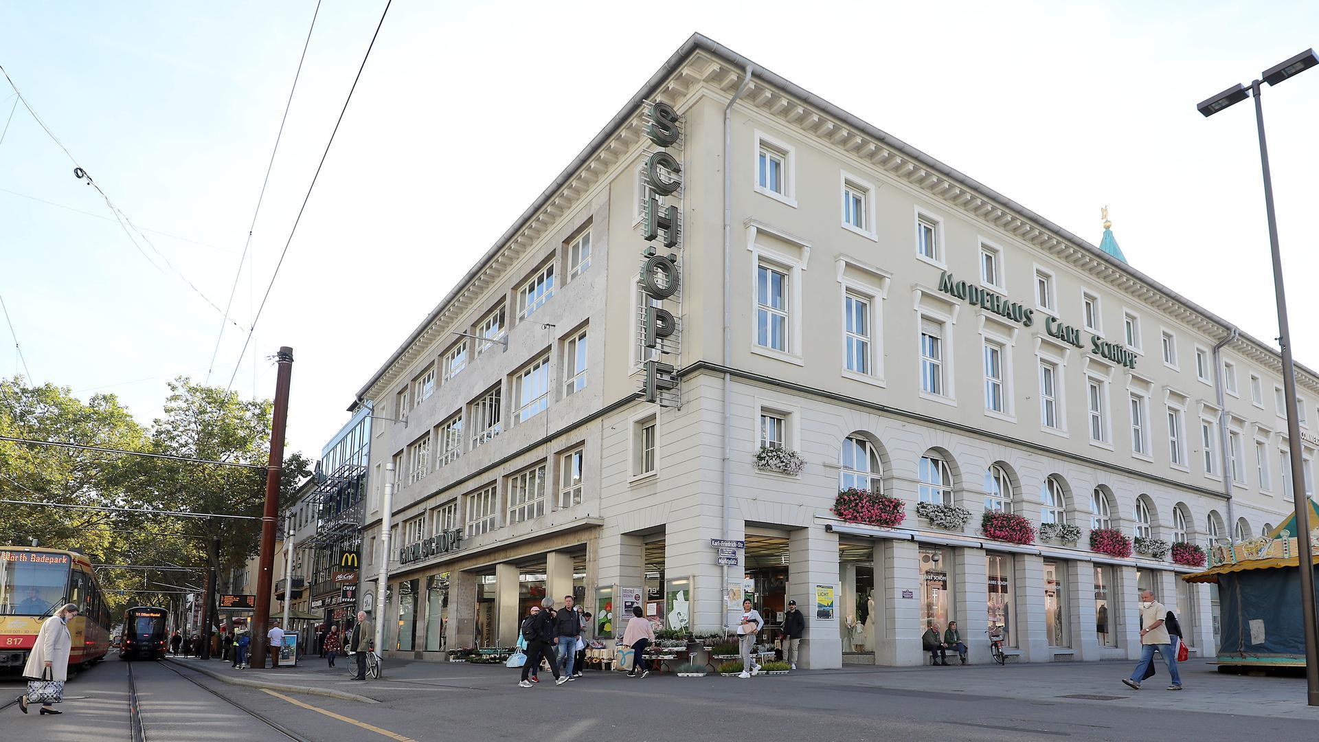 Handel und Wandel: Das Modehaus Schöpf am Marktplatz rückt nach dem Tod seiner Inhaberin in den Fokus von Fragen der künftigen Innenstadt-Entwicklung.