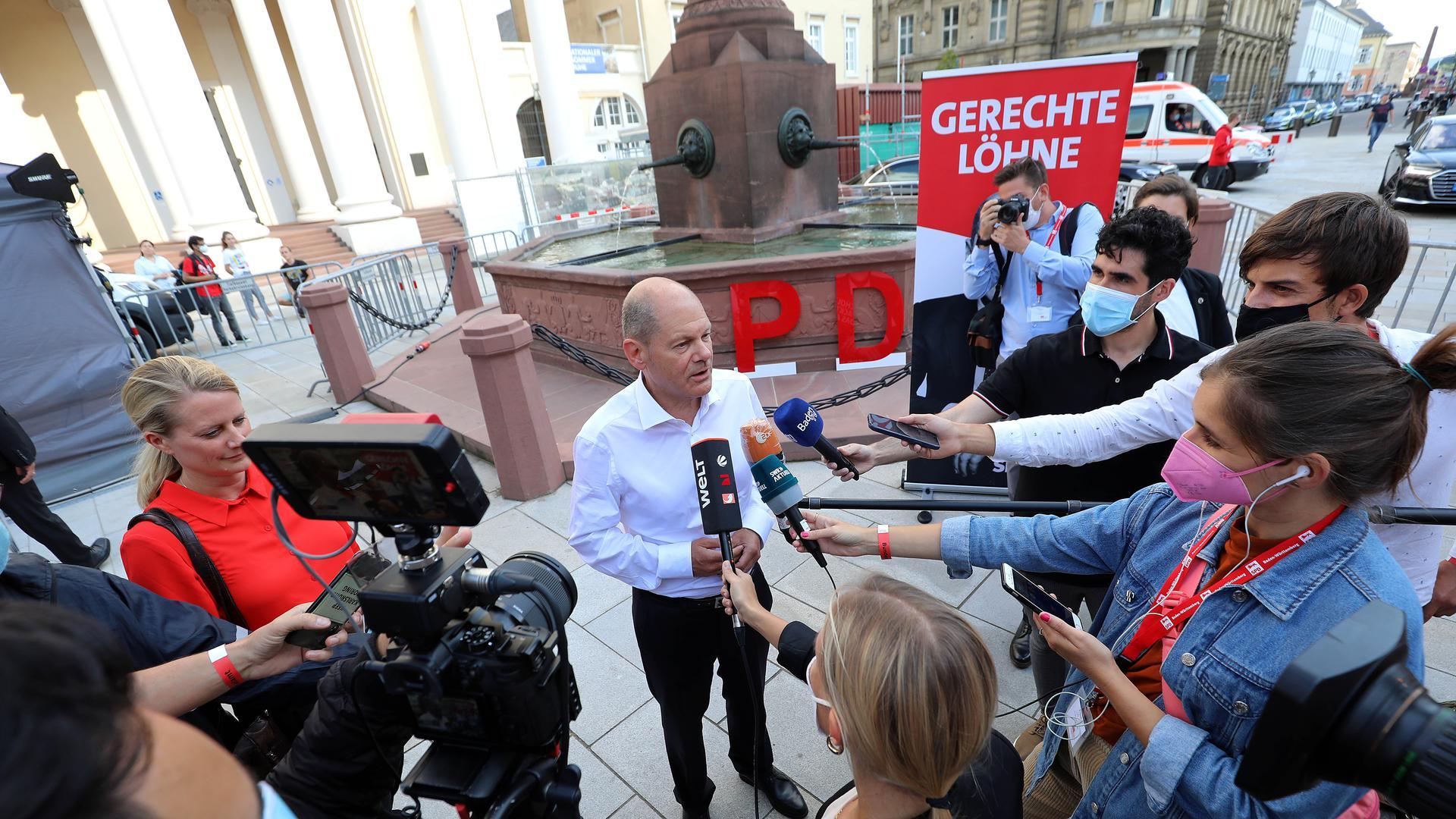 Gefragter Gesprächspartner: Im sonst eher mäßig spannenden Wahlkampf sorgt der steile Aufstieg des SPD-Kanzlerkandidaten Olaf Scholz in de Umfragen gerade für großes Medieninteresse.