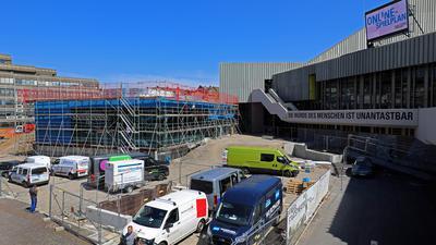 Strategie: Bei einem viel beachteten Bürgerforum wurden die nötigen Weichenstellungen rund um die Zukunft des Badischen Staatstheaters erörtert.