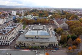Millionengrab: Die Sanierung der Stadthalle kommt seit Jahren nicht voran. Die Ertüchtigung des Paradestücks der Messegesellschaft wird mit 135 Millionen Euro deutlich kostspieliger als gedacht.