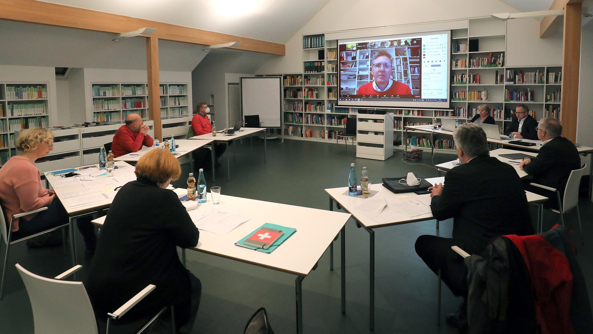Weichenstellung: Die Stadtsynode der Evangelischen Kirche in Karlsruhe hat erstmals online getagt. Man steht vor einem weitreichenden Veränderungsprozess.