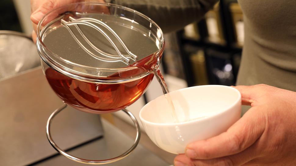 Viel Raum fürs Aroma: Ein guter Tee sollte in einem möglichst großen Gefäß zubereitet werden, rät Isabel Andony Gomez von Tee Gschwendner.