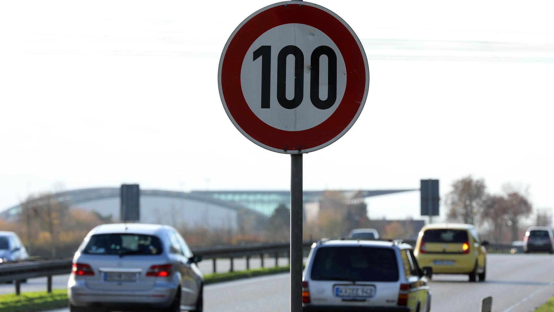 Zügige Fahrt: Auf der Bundesstraße 36 zwischen Stadtausgang und Neuer Messe gilt Tempo 100. Ist das angemessen oder zu viel?