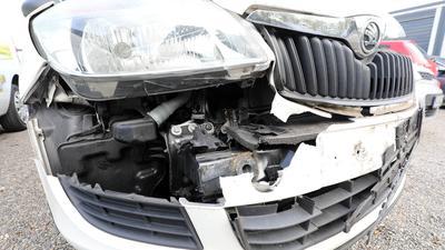 Geplanter Crash: Um fingierte Unfälle geht es in einer Berufungsverhandlung vor dem Karlsruher Landgericht.