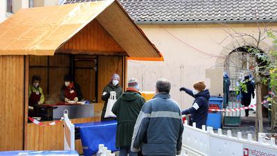 © Jodo-Foto /  Joerg  Donecker//  10.01.2021 Vesperkirche 2021 in Corona-Zeiten,                                                              -Copyright - Jodo-Foto /  Joerg  Donecker Sonnenbergstr.4  D-76228 KARLSRUHE TEL:  0049 (0) 721-9473285 FAX:  0049 (0) 721 4903368  Mobil: 0049 (0) 172 7238737 E-Mail:  joerg.donecker@t-online.de Sparkasse Karlsruhe  IBAN: DE12 6605 0101 0010 0395 50, BIC: KARSDE66XX Steuernummer 34140/28360 Veroeffentlichung nur gegen Honorar nach MFM zzgl. ges. Mwst.  , Belegexemplar und Namensnennung. Es gelten meine AGB.