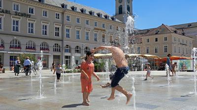 Wasserspiele auf dem Marktplatz