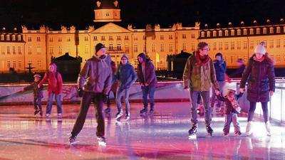 Die Eiszeit vor dem Karlsruher Schloss als Tatort? In dem Prozess am Oberlandesgericht ging es auch um mögliche Anschlagspläne des Angeklagten.