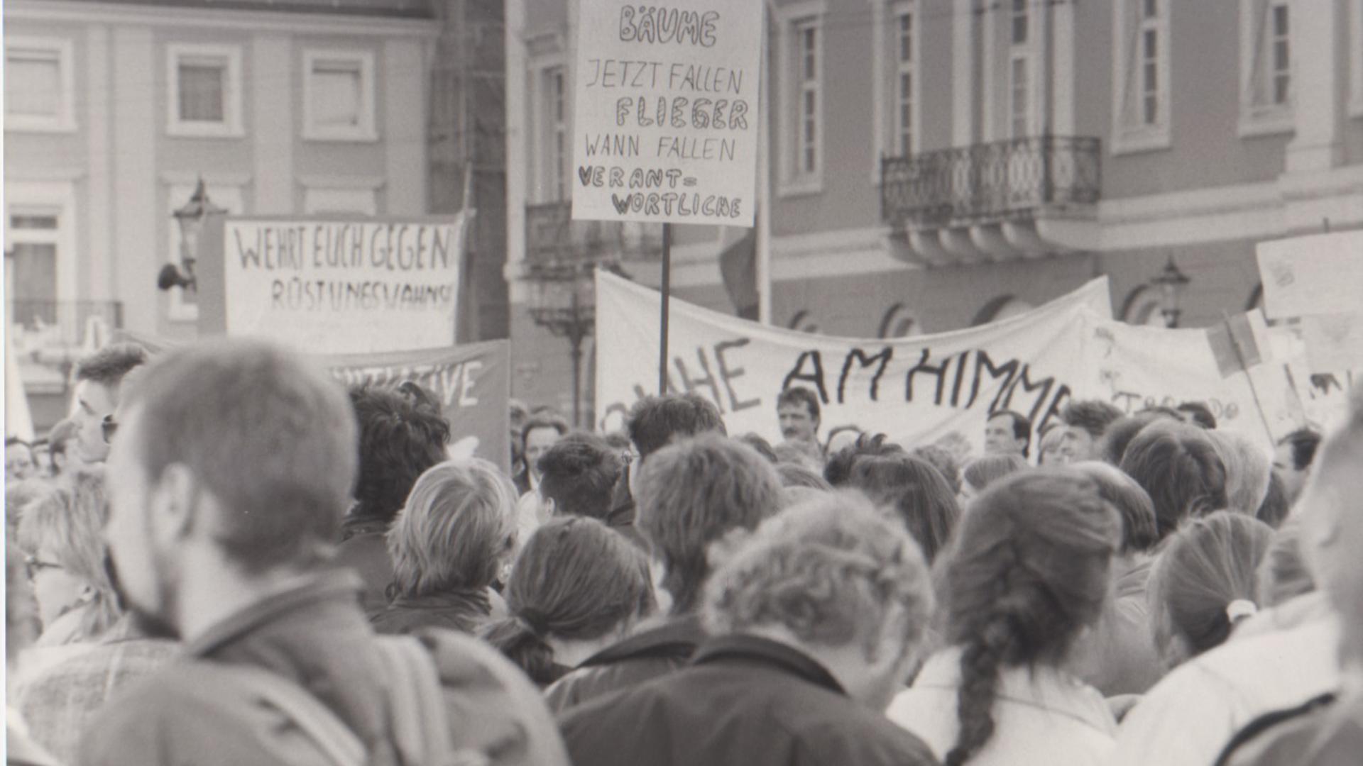 Demo nach Kampfjets-Zusammenstoß 1990 Karlsruhe