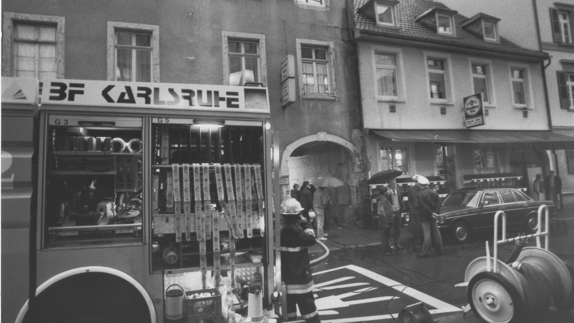 Brandanschlag: Bei einem vorsätzlich gelegten Brand in einem Mehrfamilienhaus in der Karlsruher Markgrafenstraße starben im Oktober 1996 drei Menschen. Sie stammten aus der Türkei.