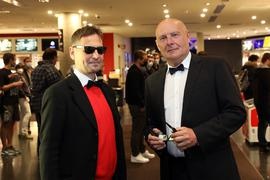 Tilo und Siggi bei der Premiere des neuen James-Bond-Films