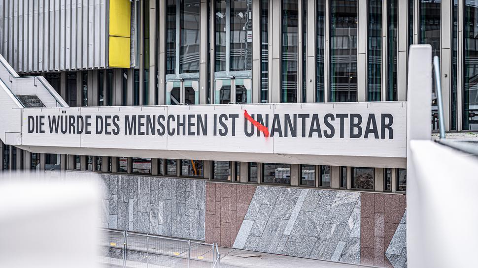 Aussenansicht des Badischen Staatstheaters in Karlsruhe.