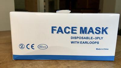 Eine Packung Gesichtsmasken