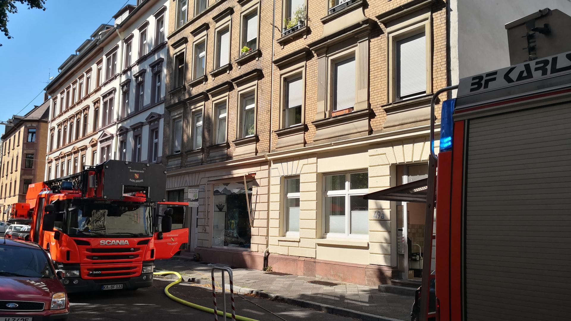 Die Feuerwehr war am Donnerstag in der Karlsruher Augartenstraße im Einsatz.