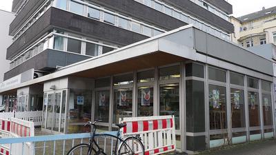Neues Domizil: Das Second-Hand-Kaufhaus Kashka bezieht seine neuen Räume in der Karlstraße 56. Eigentlich war der Umzug erst später geplant, doch die Verantwortlichen nutzten nun dafür die coronabedingte Zwangspause.
