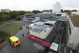© Jodo-Foto /  Joerg  Donecker// 12.10.2020 Staedtisches Klinikum, Foto: ZNA / Corona-Stelle,                                                               -Copyright - Jodo-Foto /  Joerg  Donecker Sonnenbergstr.4  D-76228 KARLSRUHE TEL:  0049 (0) 721-9473285 FAX:  0049 (0) 721 4903368  Mobil: 0049 (0) 172 7238737 E-Mail:  joerg.donecker@t-online.de Sparkasse Karlsruhe  IBAN: DE12 6605 0101 0010 0395 50, BIC: KARSDE66XX Steuernummer 34140/28360 Veroeffentlichung nur gegen Honorar nach MFM zzgl. ges. Mwst.  , Belegexemplar und Namensnennung. Es gelten meine AGB.