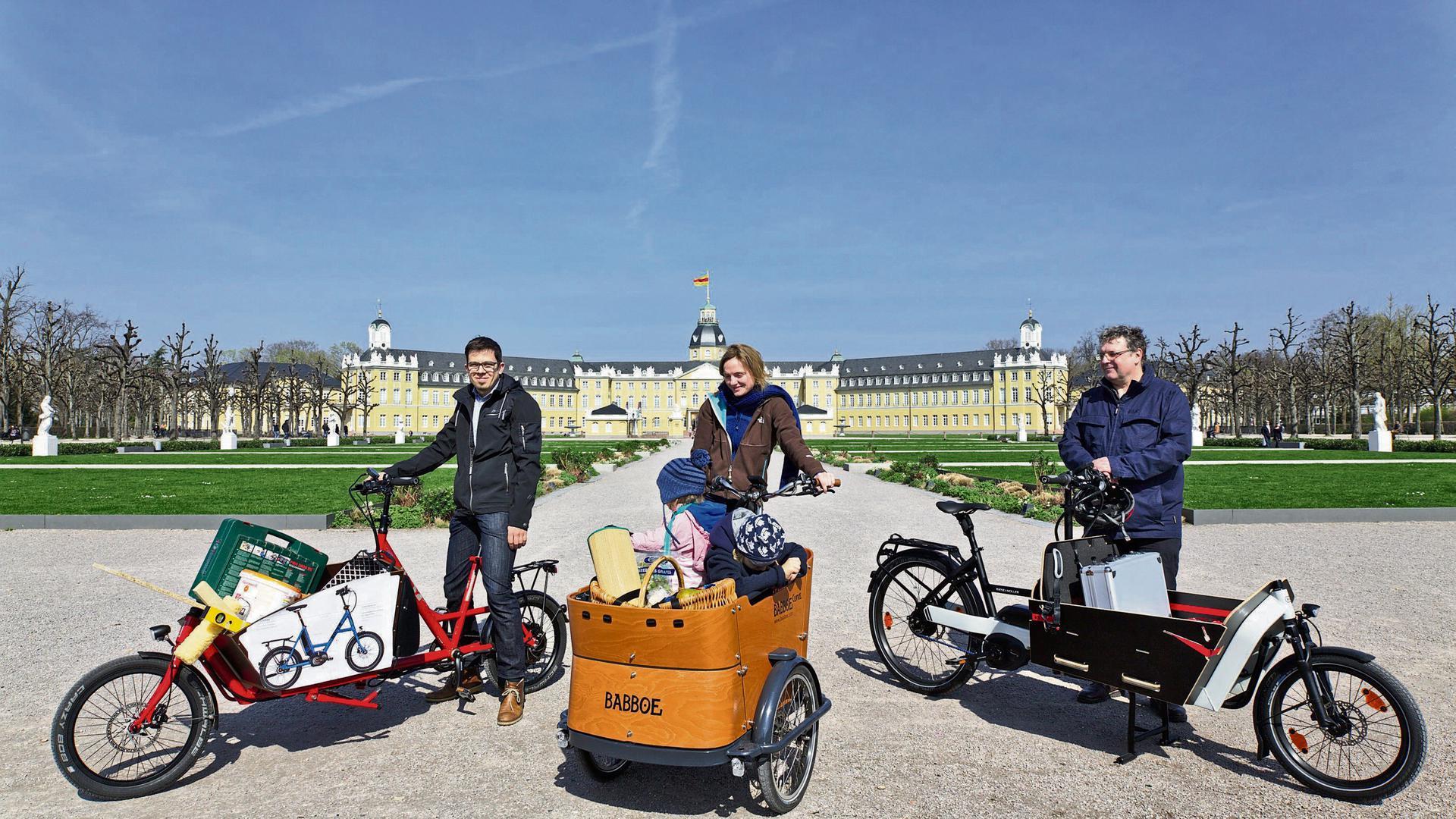 Manuel Quinting, Sarah Meyer-Soylu und Christian Büttner von der Lastenrad-Initiative testeten schon 2017 verschiedene Lastenrad-Modelle in Karlsruhe.