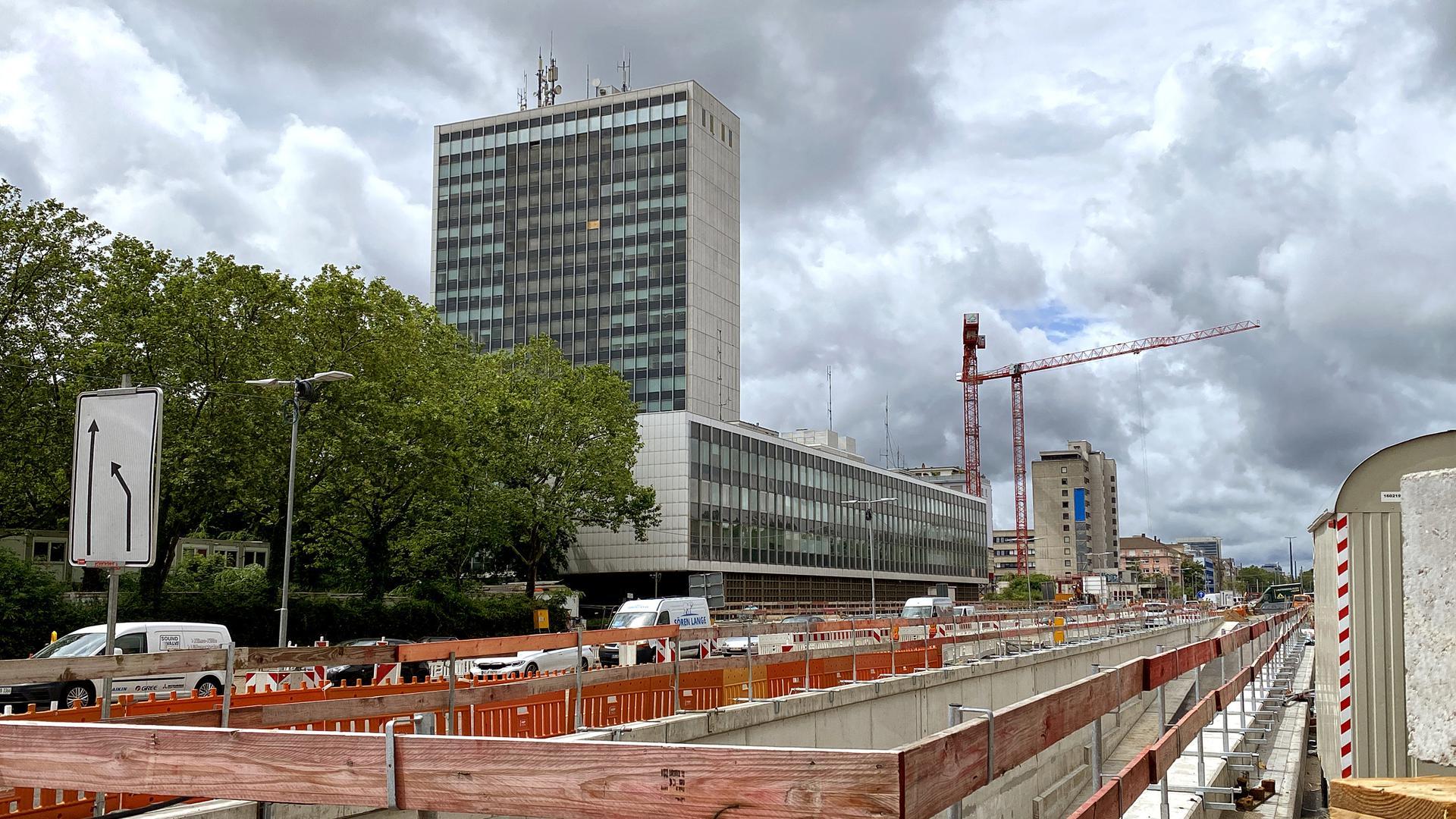 Das Gebäudeensemble des Landratsamts in Karlsruhe