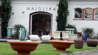 © Jodo-Foto /  Joerg  Donecker// 14.10.2020 Majolika-Manufaktur,                                               -Copyright - Jodo-Foto /  Joerg  Donecker Sonnenbergstr.4  D-76228 KARLSRUHE TEL:  0049 (0) 721-9473285 FAX:  0049 (0) 721 4903368  Mobil: 0049 (0) 172 7238737 E-Mail:  joerg.donecker@t-online.de Sparkasse Karlsruhe  IBAN: DE12 6605 0101 0010 0395 50, BIC: KARSDE66XX Steuernummer 34140/28360 Veroeffentlichung nur gegen Honorar nach MFM zzgl. ges. Mwst.  , Belegexemplar und Namensnennung. Es gelten meine AGB.