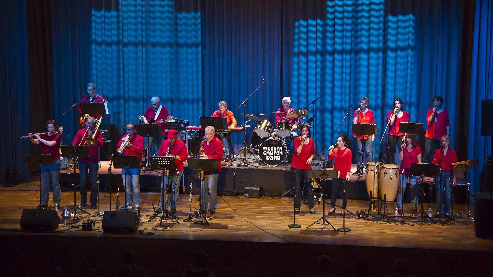 """Benefizkonzert: Die Modern Church Band hat am Samstag, 24. Juli, einen Auftritt  zugunsten der BNN-Stiftung """"Wir helfen"""" im Burggarten der Hoepfner-Brauerei."""