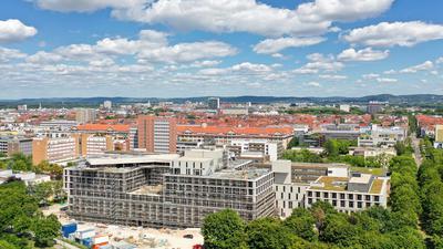 """Die neue Vincentius-Klinik: In einem halben Jahr beziehen die ViDia Kliniken ihren Neubau  neben dem """"Vincenz"""" im Beiertheimer Feld."""