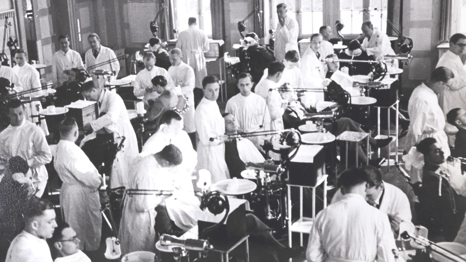 Plombiersaal Dentisten karlsruhe 1930